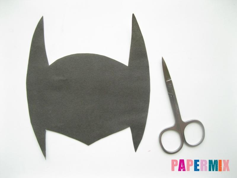 Как сделать маску Бэтмена из бумаги своими руками - шаг 1