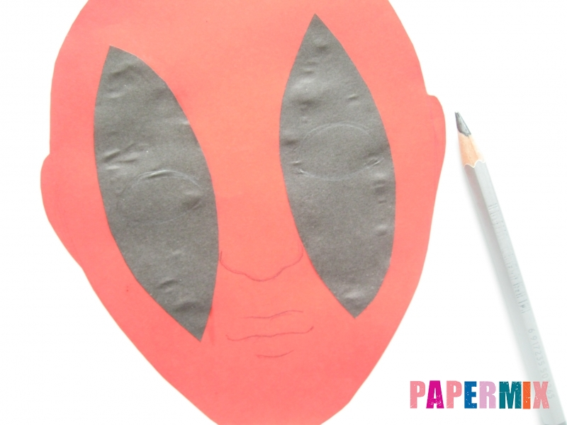 Как сделать маску Дедпула из бумаги своими руками - шаг 4