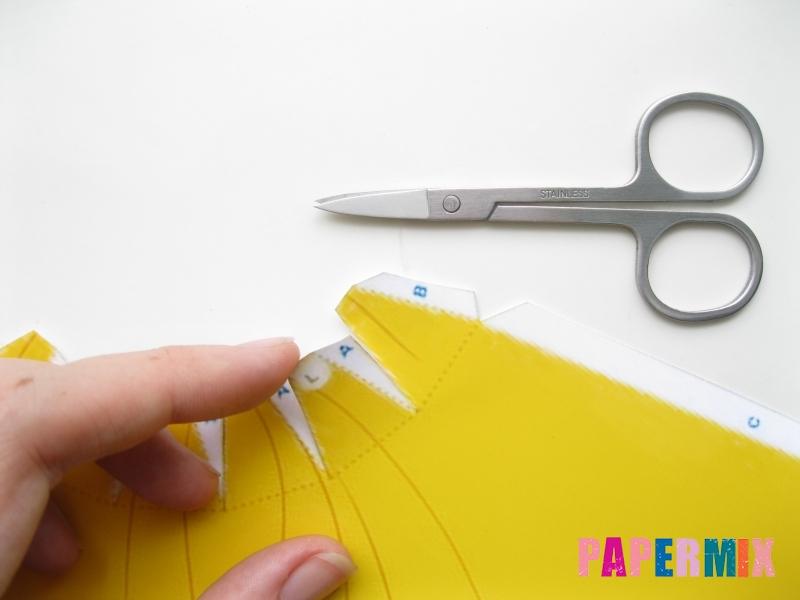 Как сделать объемную Белоснежку из бумаги поэтапно - шаг 2