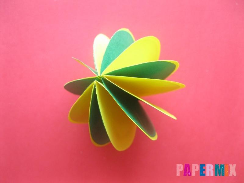 Как сделать объемный шар из бумаги на Новый год - шаг 10