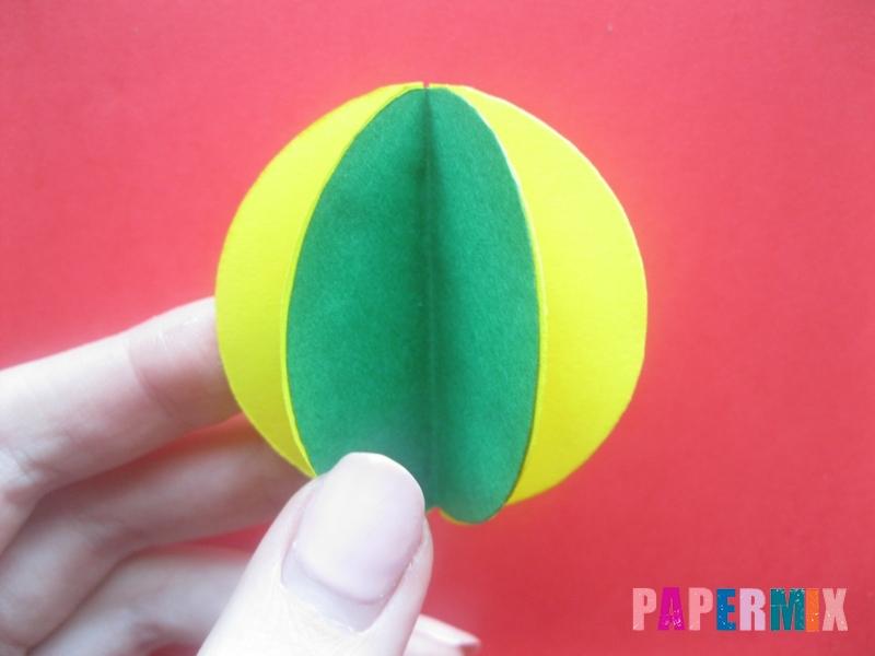 Как сделать объемный шар из бумаги на Новый год - шаг 7