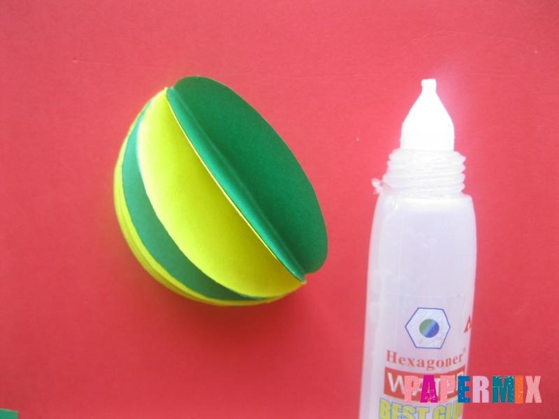 Как сделать объемный шар из бумаги на Новый год - шаг 8