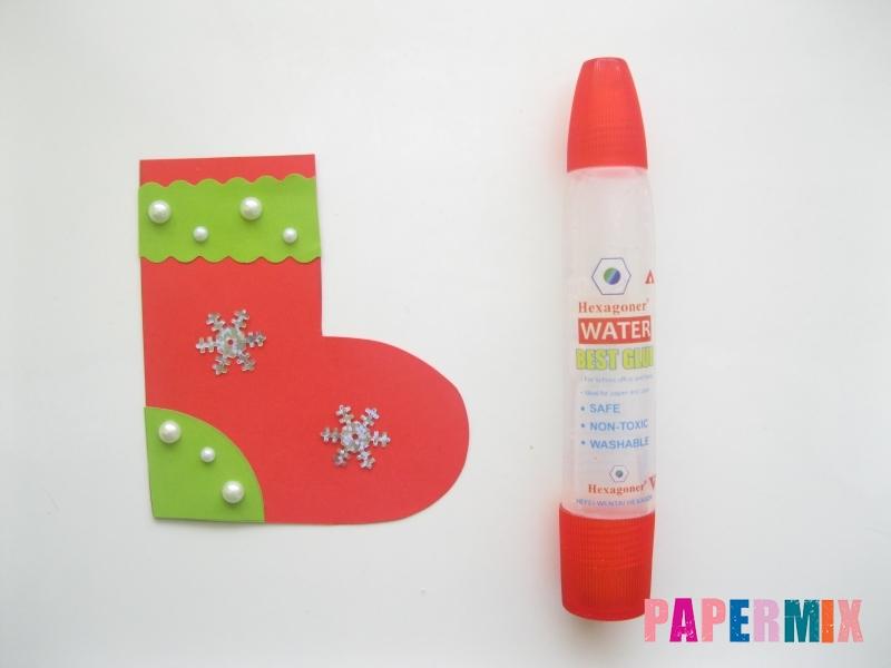 Как сделать сапоги из бумаги на Новый год своими руками  - шаг 9