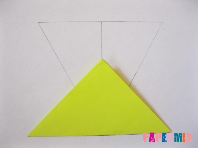 Как сделать снежинку из бумаги своими руками вариант 3 - шаг 2