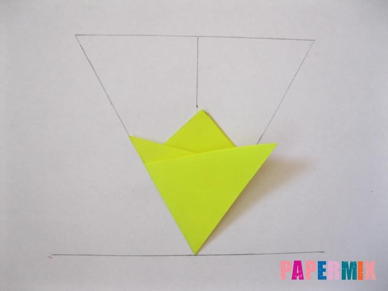 Как сделать снежинку из бумаги своими руками вариант 3 - шаг 4