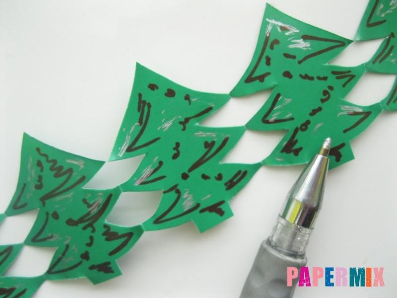 Как сделать бумажную гирлянду из елочек своими руками - шаг 8