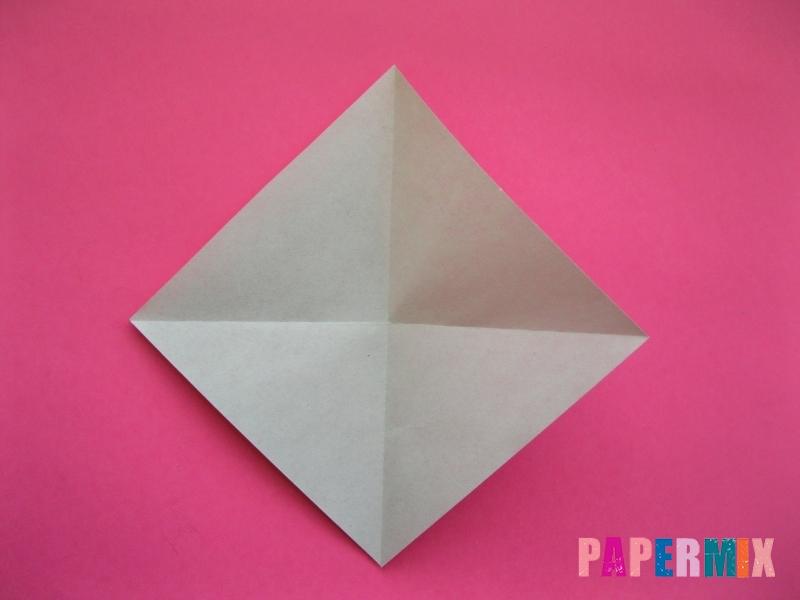 Как сделать Деда Мороза из бумаги (оригами) своими руками - шаг 2