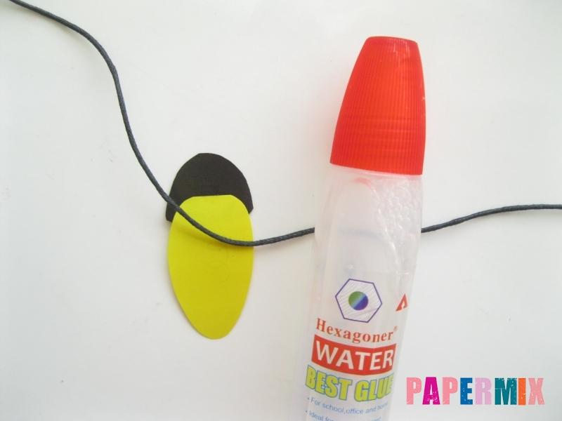 Как сделать гирлянду из бумажных лампочек своими руками  - шаг 10