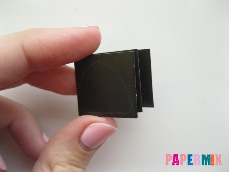 Как сделать гирлянду из бумажных лампочек своими руками  - шаг 2