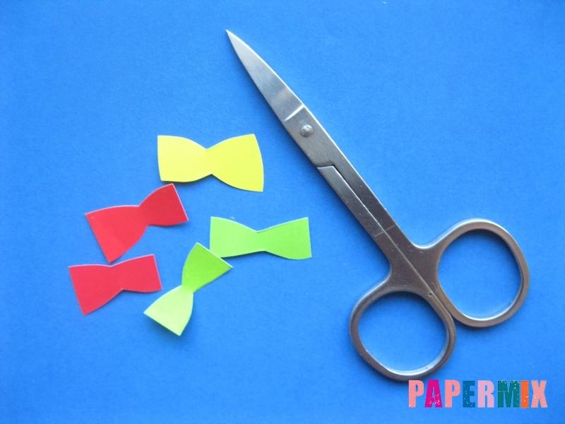 Как сделать гирлянду из бумажных зайчиков своими руками - шаг 2