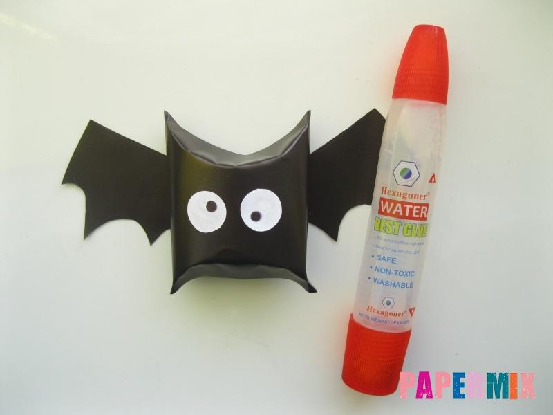 Как сделать летучую мышь на хэллоуин из бумаги - шаг 9