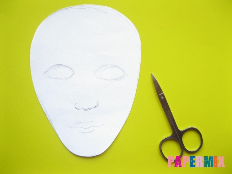 Как сделать маску мумии из бумаги на хэллоуин своими руками - шаг 3