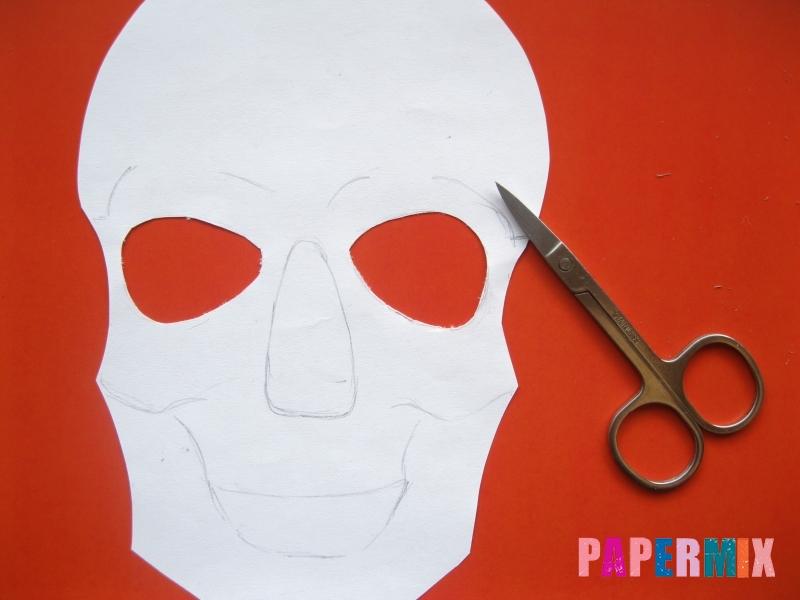 Как сделать маску скелета на хэллоуин из бумаги своими руками - шаг 4