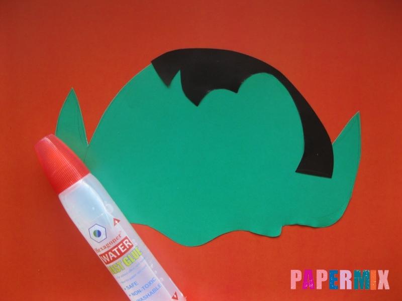 Как сделать маску вампира на хэллоуин из бумаги - шаг 4