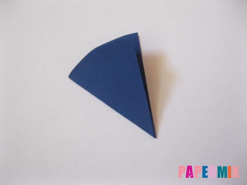 Как сделать снежинку из круглой бумаги своими руками - шаг 6