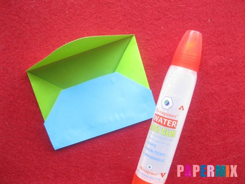 Конверт в виде Снегурочки из бумаги своими руками - шаг 11
