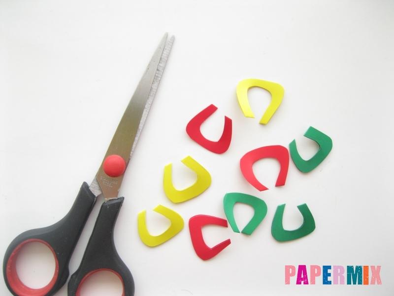Новогодняя гирлянда из разноцветных звеньев своими руками - шаг 4