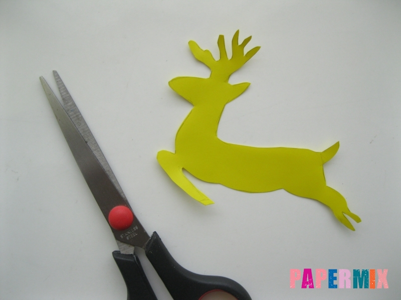 Новогодняя гирлянда в форме оленей из бумаги своими руками - шаг 2