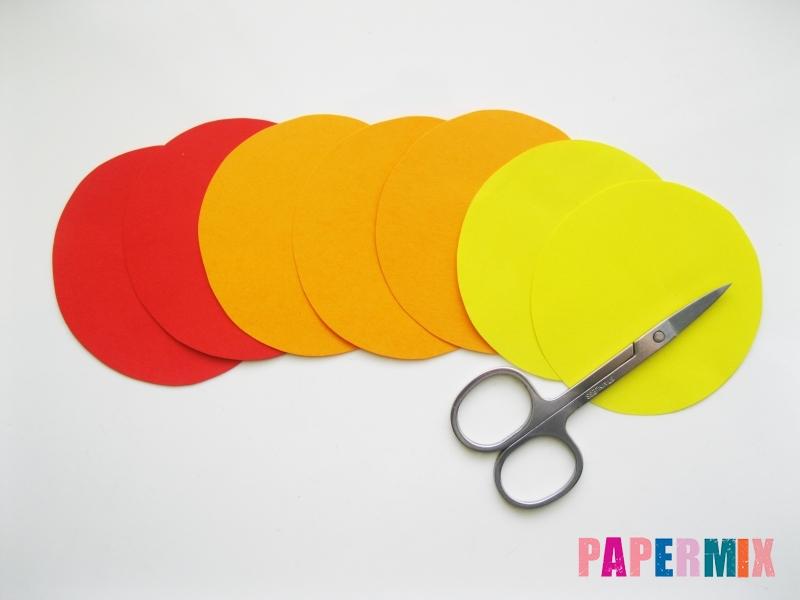 Как сделать букет роз из цветной бумаги своими руками - шаг 1