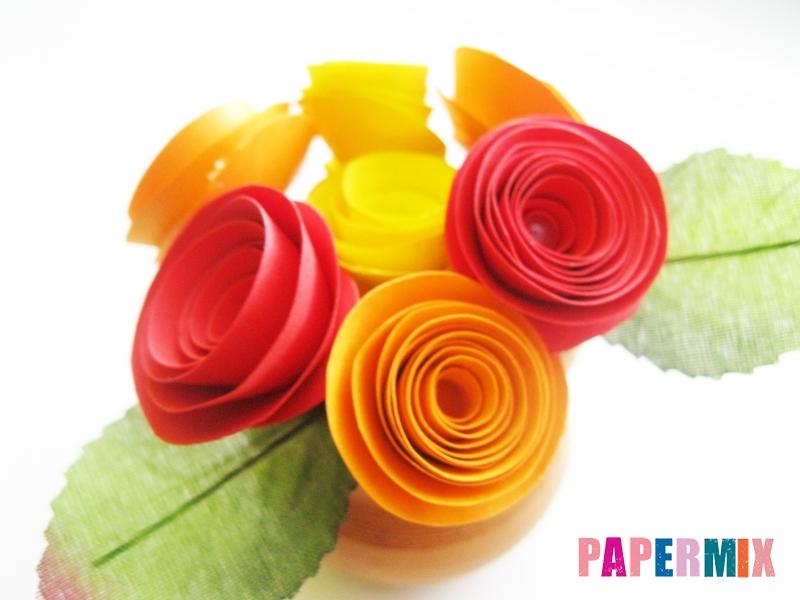 Как сделать букет роз из цветной бумаги своими руками - шаг 9