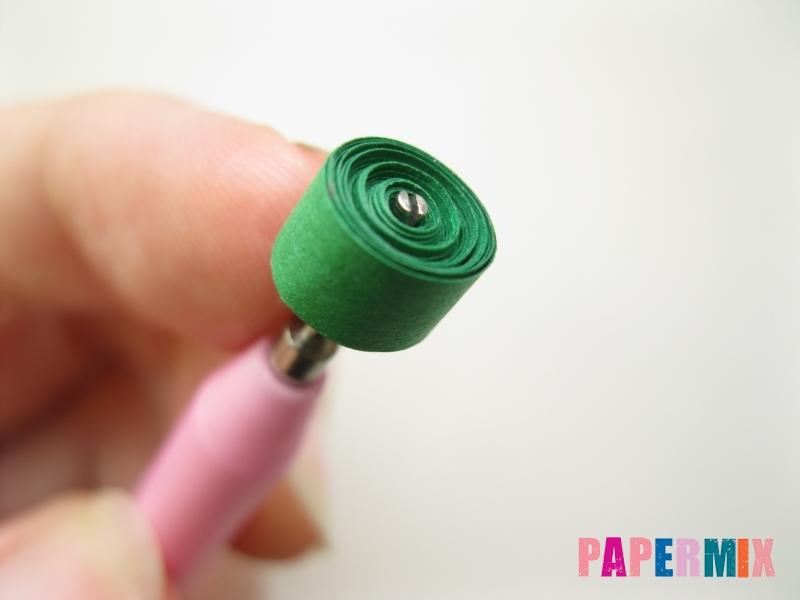 Как сделать фиалки из бумаги поэтапно - шаг 3