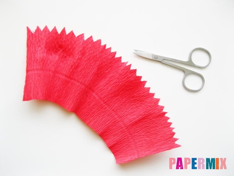Как сделать гвоздику из гофрированной бумаги поэтапно - шаг 3