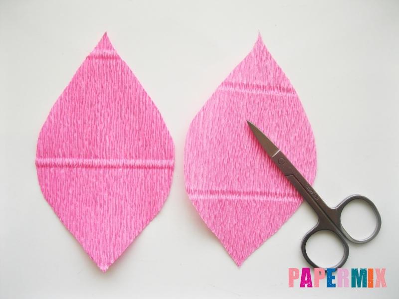 Как сделать каллы из гофрированной бумаги поэтапно - шаг 2