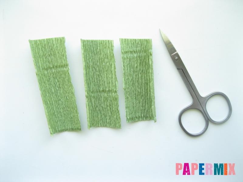 Как сделать лилию из гофрированной бумаги своими руками - шаг 6