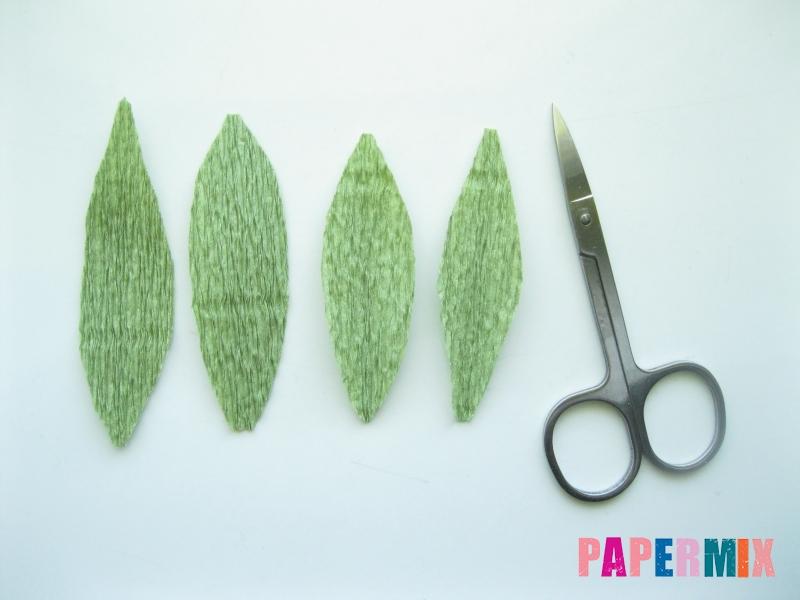 Как сделать лилию из гофрированной бумаги своими руками - шаг 8
