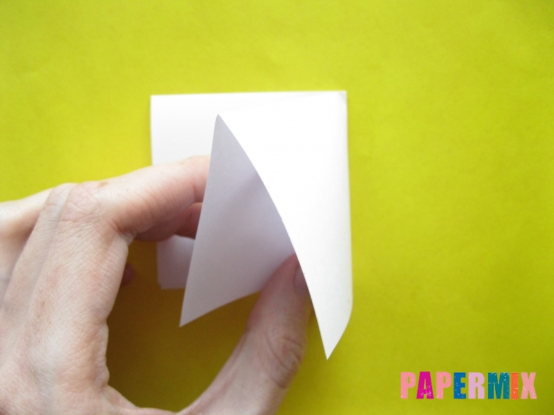 Как сделать розу из бумаги (оригами) поэтапно - шаг 3