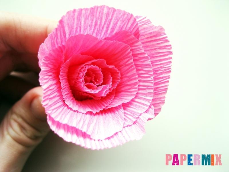 Как сделать розу из гофрированной бумаги поэтапно - шаг 10
