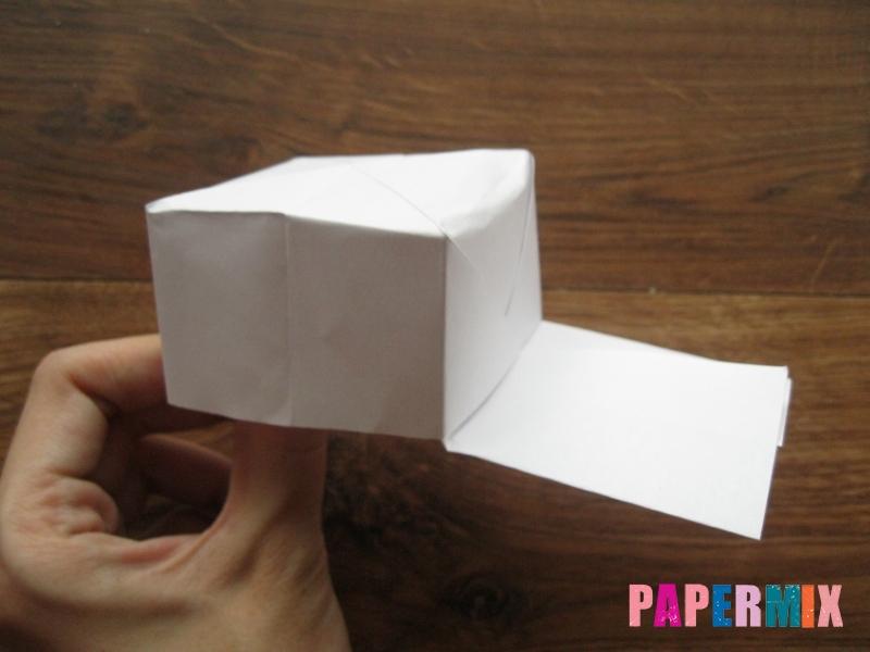 Как сделать кепку с козырьком из бумаги своими руками - шаг 17