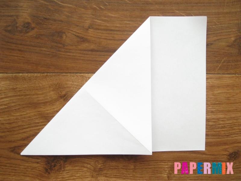 Как сделать кепку с козырьком из бумаги своими руками - шаг 3
