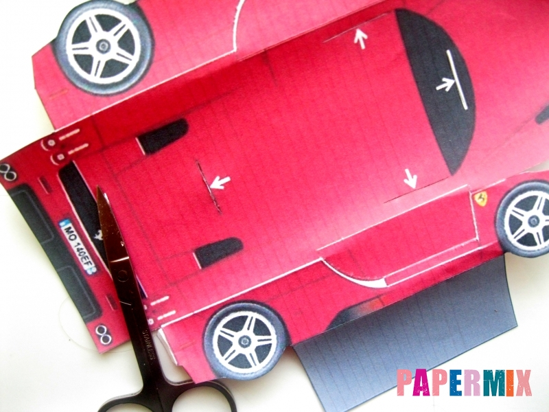 Как сделать Ferrari по шаблону из бумаги поэтапно - шаг 3