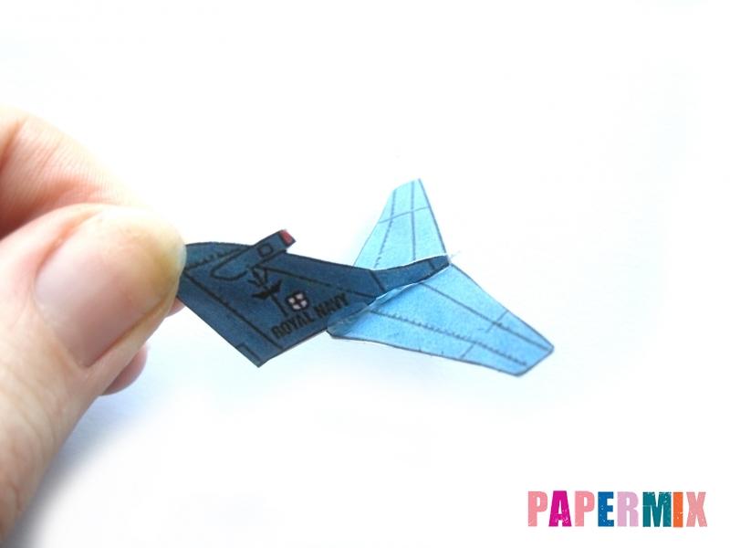 Как сделать самолет Бритиш Аэроспейс «Си Харриер» по шаблону - шаг 5