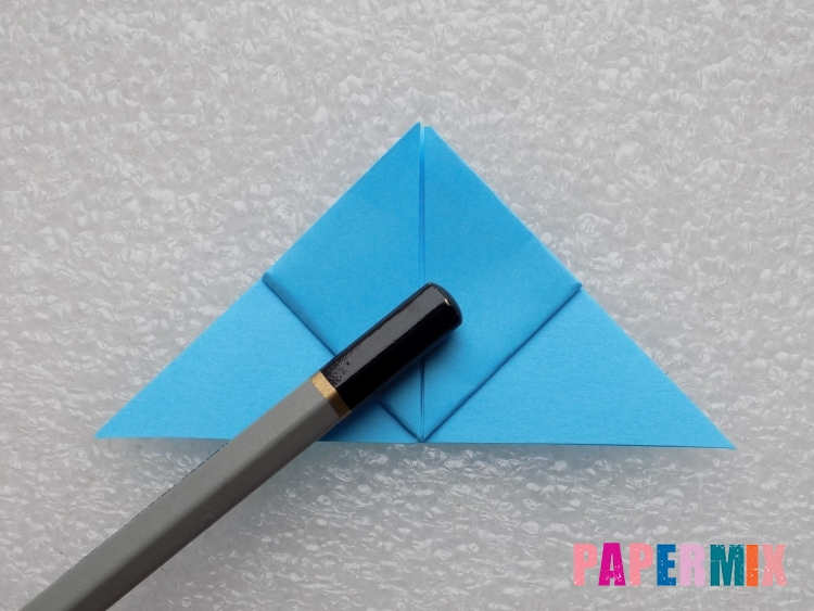 Как сделать ракету из бумаги поэтапно - шаг 7