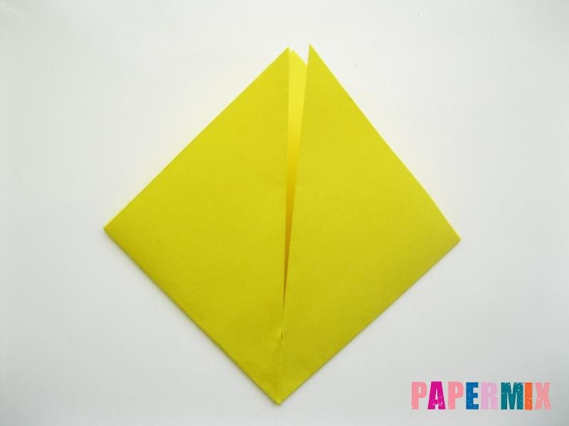 Как сделать закладку для книг в виде миньона из бумаги - шаг 4