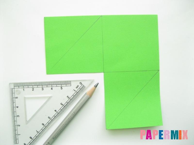 Как сделать закладку в форме лягушки из бумаги - шаг 2