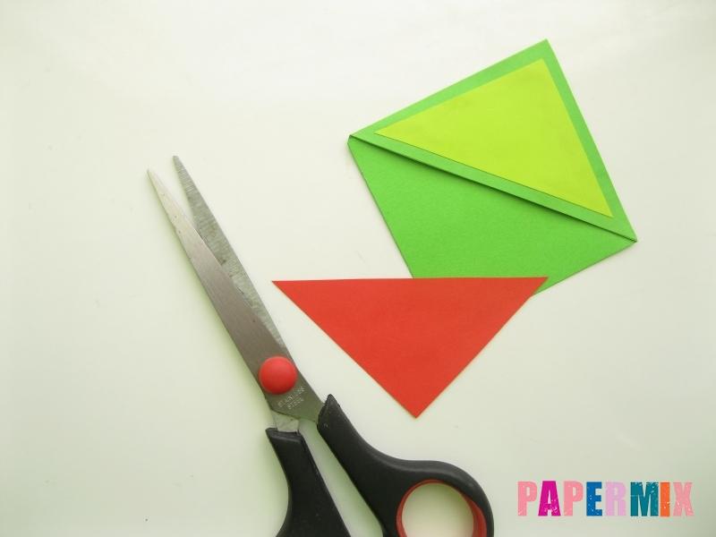 Как сделать закладку в форме лягушки из бумаги - шаг 7