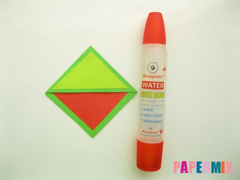 Как сделать закладку в форме лягушки из бумаги - шаг 8