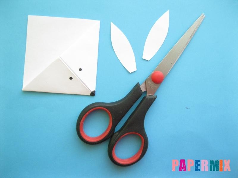 Как сделать закладку зайчик из бумаги поэтапно - шаг 12