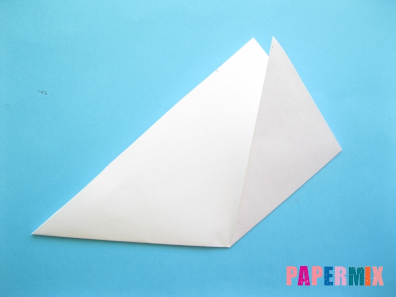 Как сделать закладку зайчик из бумаги поэтапно - шаг 4