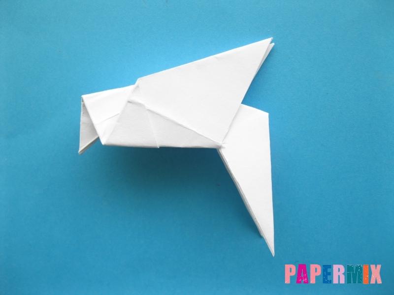Как сделать голубя из бумаги поэтапно - шаг 10