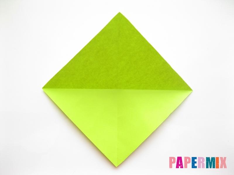 Как сделать змею из бумаги (оригами) поэтапно - шаг 1