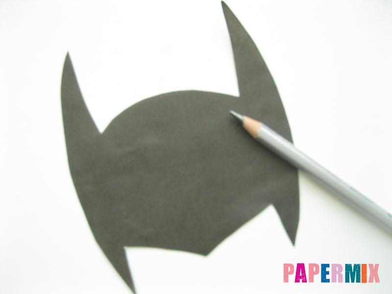 Как сделать маску Бэтмена из бумаги своими руками - шаг 2