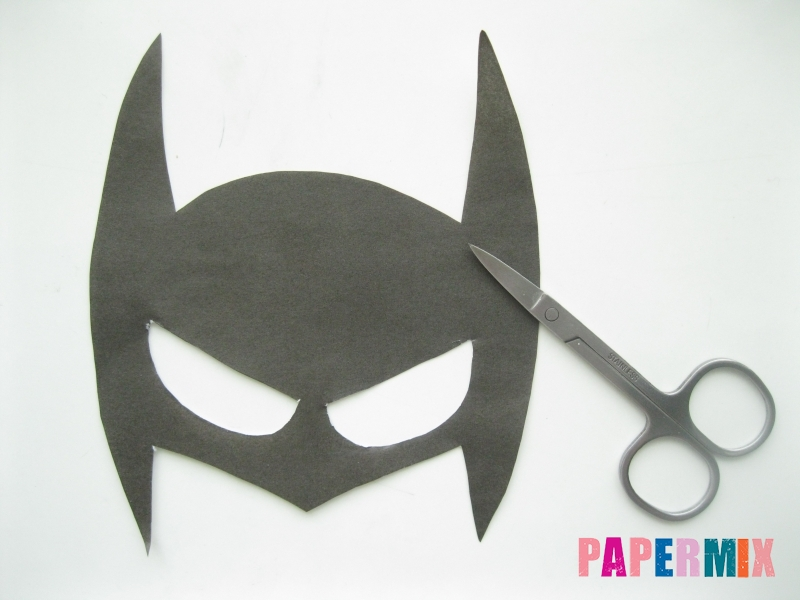 Как сделать маску Бэтмена из бумаги своими руками - шаг 3