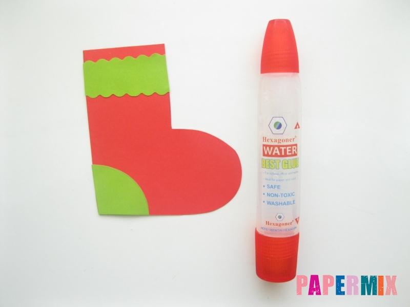 Как сделать сапоги из бумаги на Новый год своими руками  - шаг 7