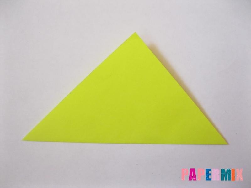 Как сделать снежинку из бумаги своими руками вариант 3 - шаг 1