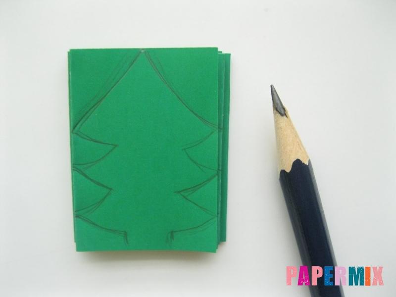 Как сделать бумажную гирлянду из елочек своими руками - шаг 4