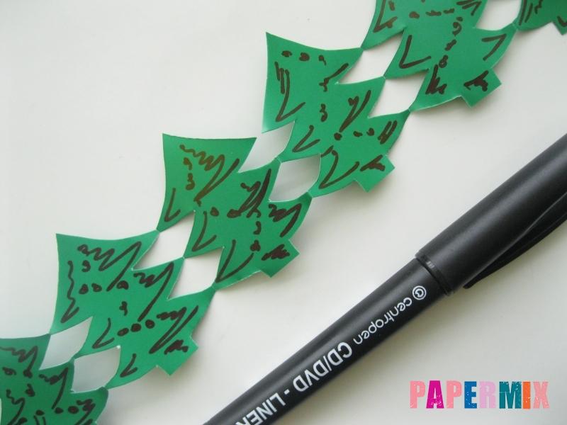 Как сделать бумажную гирлянду из елочек своими руками - шаг 7
